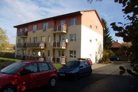 Prodej novostavby – bytu 2+kk /2 balkóny o ploše 60 m2 s vlastním venkovním parkovacím místem v Unhošti