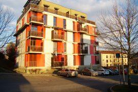 Prodej novostavby, byt 1+kk s balkónem a sklepem, Beroun – Palouček