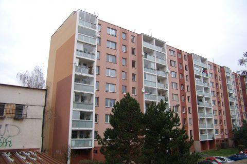 Prodej bytu 1+kk, Praha – Hostivař, sídliště Košík a současně nákup bytu 2+1, Beroun – ul. J. Hory