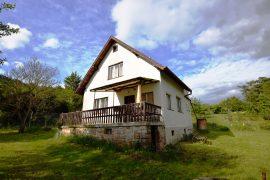 Prodej udržované zděné chaty – Vráž