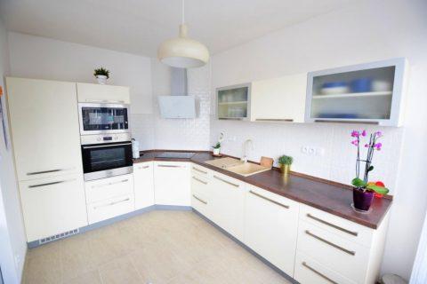 Prodej moderního bytu 3+kk/55 m2 po kompletní rekonstrukci – Kladno – Sítná