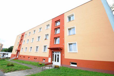 Prodej prostorného bytu 2+1 v super lokalitě Beroun Hlinky – vhodný k rekonstrukci