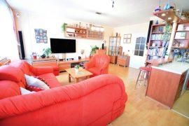 Prodej vzdušného bytu 3+1, zasklená lodžie, kompletní rekonstrukce – Tyršova Beroun